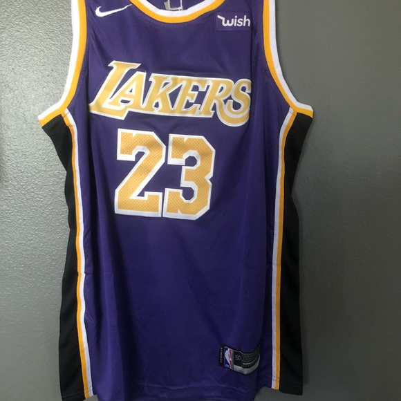 size 40 be5e7 ca300 NWT Lebron James Laker Jersey Purple 🔥🔥 2018-19 NWT